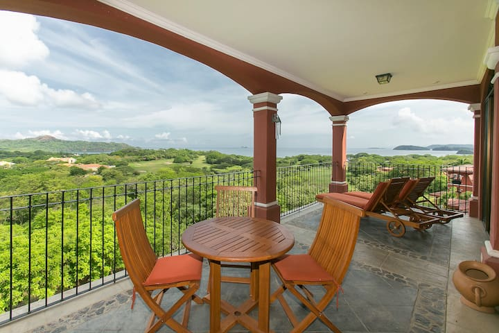 Reserva Conchal Luxury Penthouse Ocean View A17