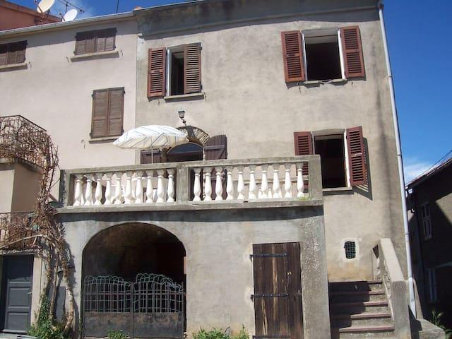 Maison traditionnelle près d'Aléria - Tallone - Ev