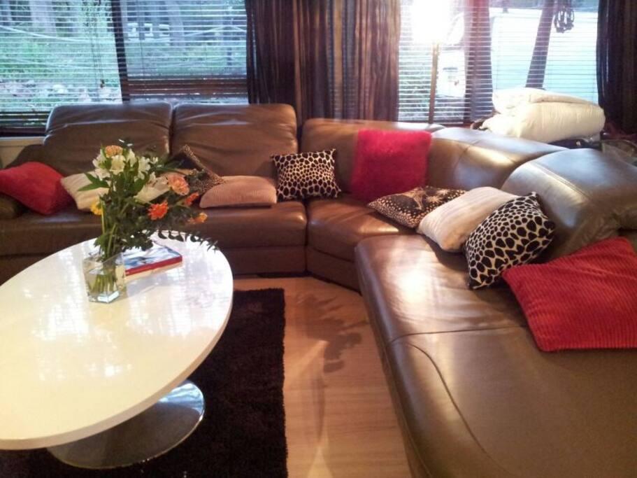 Fabulous comfy glamorous lounge!!