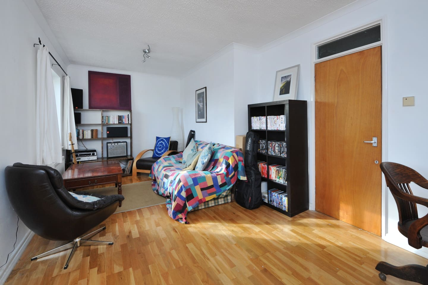 Spare room in large comfortable topfloor apartment