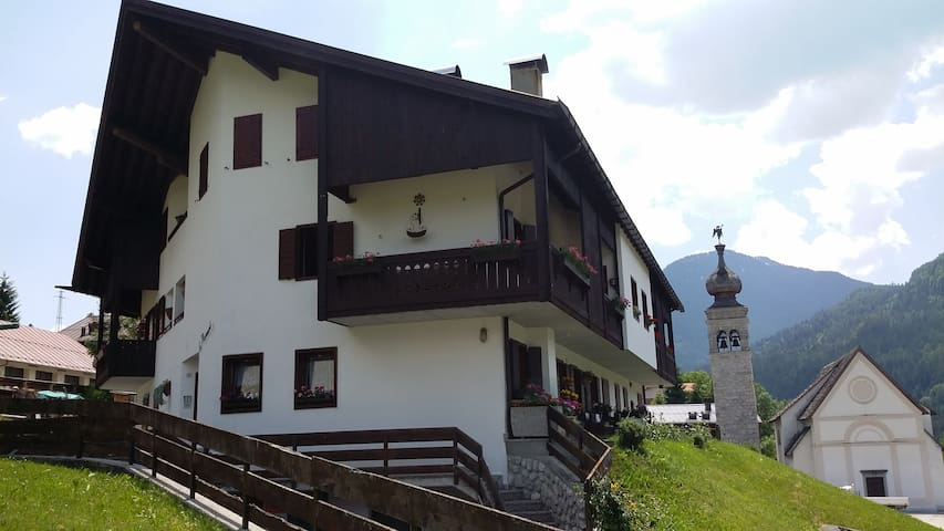 Charming Apartment-13 km to Cortina - Borca di Cadore - Apartemen