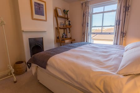 Lovely double or twin room near centre - Cowes - Talo