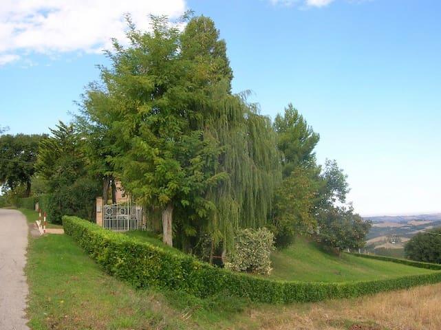 Affittasi a settimana villa - Monte Vidon Combatte - 別墅