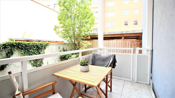 ➤Private Room - Heart of downtown with terrace (2)