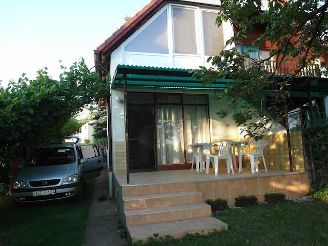 Balatoni családias nyugalom - Lovas - Dům