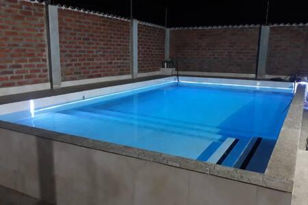 Casa Vacacional con piscina en Aguas Calientes