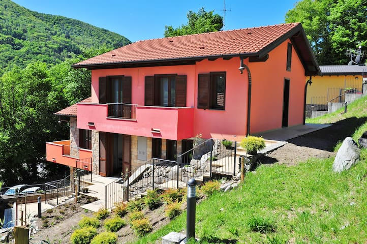 villa between lake and mountains - Valbrona