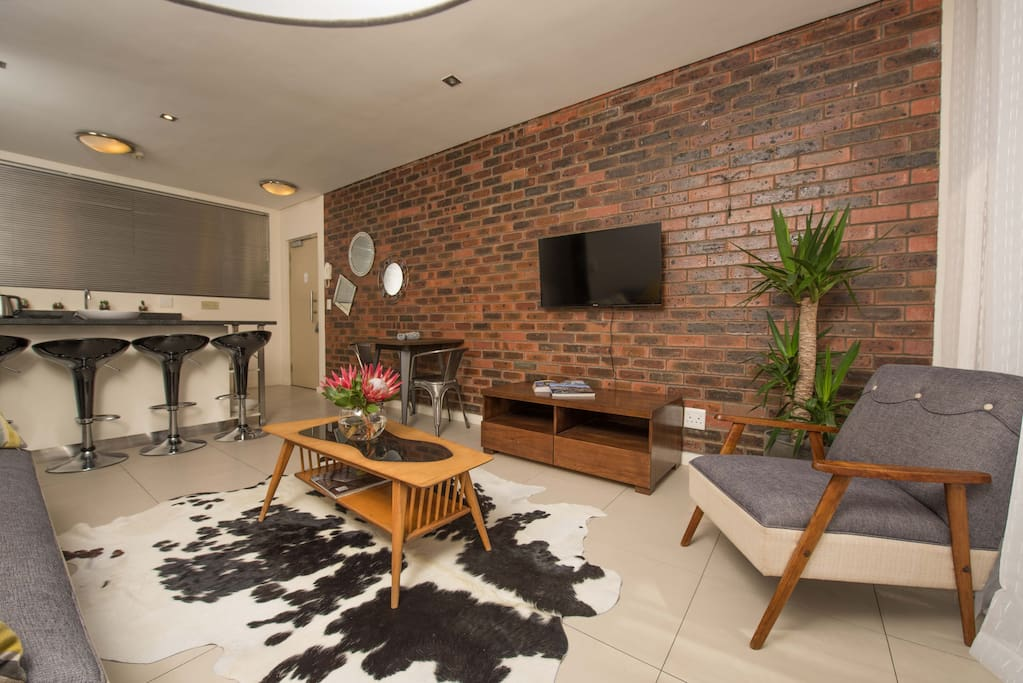 Open plan lounge and kitchen