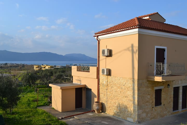 Seaview Villa 900m from Kavros Sandy Beach, Chania - Paralia Kourna