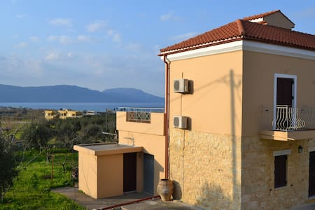 Seaview Villa 900m from Kavros Sandy Beach, Chania - Paralia Kourna - Villa