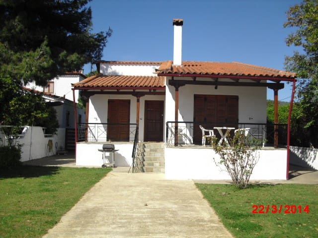 Villa Agape - A Beach Front Villa. - Politiká