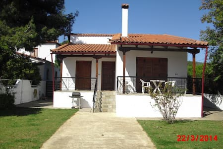Villa Agape - A Beach Front Villa. - Politiká - Dům