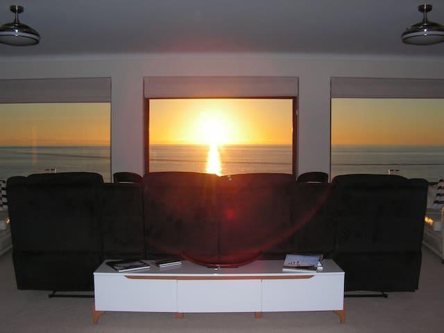 Sunset Beach View - Falcon - Casa