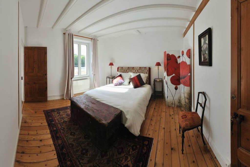 Une des chambres avec vue sur la baie de Morlaix