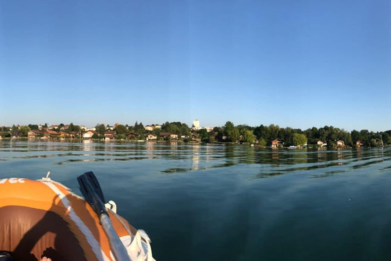 Estavayer-le-Lac vu depuis le large...
