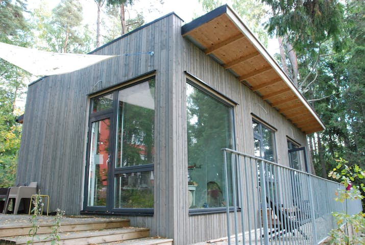 Design studio in garden, West Espoo