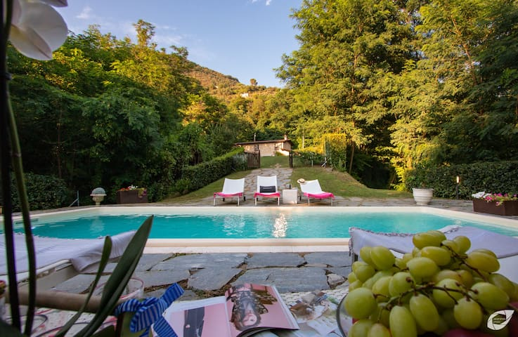 Il Castagno Country House Versilia with pool