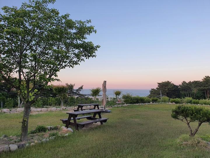 #1 양양 남애리 오션뷰 별장 - 남애해변/인구해변/죽도해변- 넓은 잔디마당 예쁜 주택