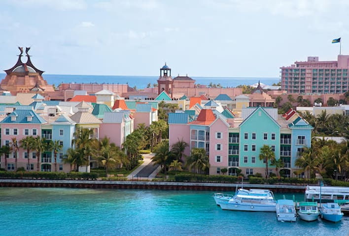 Bahamas, Harborside  Resort at Atlantis