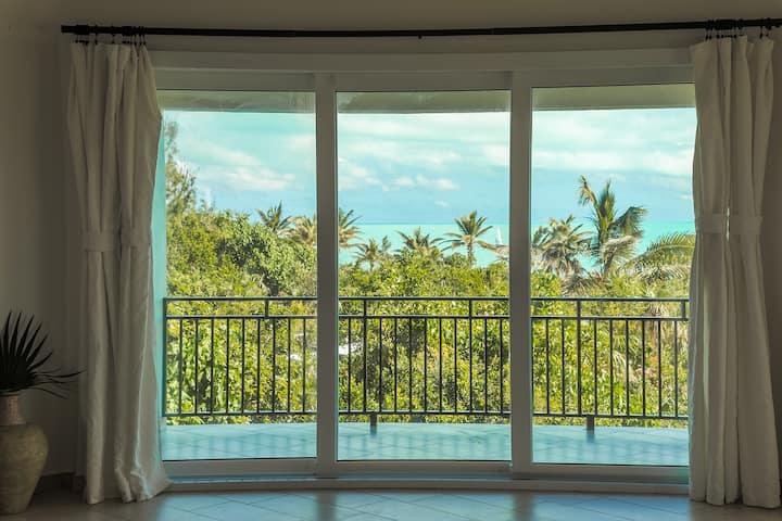 Karana Luxury Penthouse Loft- On Beach-Ocean Views