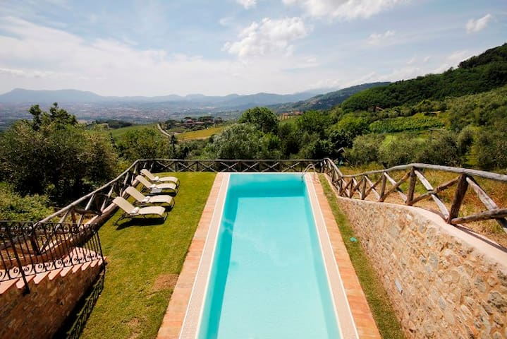 Luxury Home, Private Pool, 5***** - Lucca - Talo
