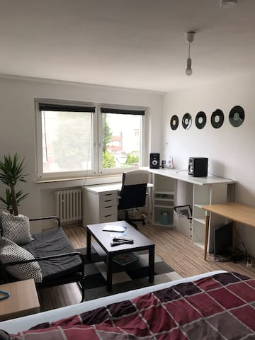 Room in apartment (near to trade fair)