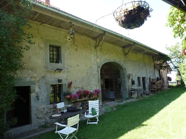 Farmhouse - La Muraz - House