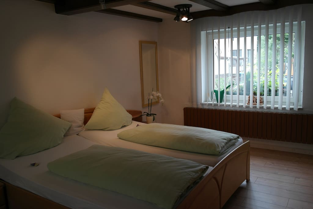 Gem tliches g stezimmer mit bad chambres d 39 h tes louer for Chambre hote allemagne