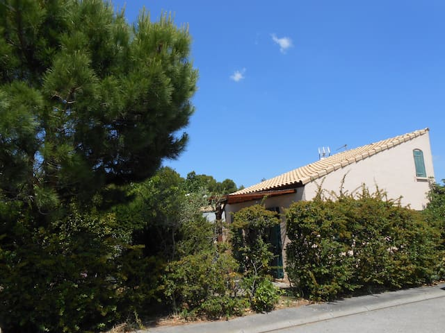 Maison dans résidence avec piscine - La Franqui - Hus