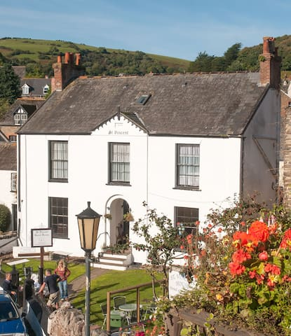 St Vincent B & B in Lynton, a Georgian beauty! - Lynton - Bed & Breakfast