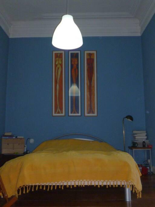 Schlafzimmer mit Stuck