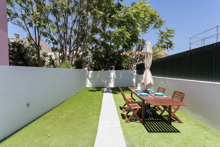 Exclusive Terrace Apartment by Fernando