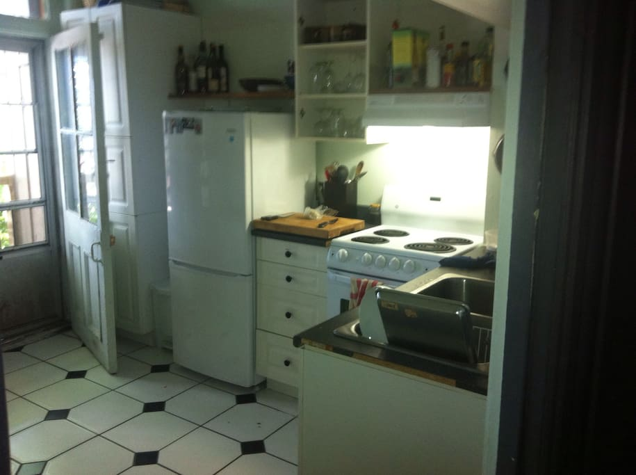 Nice small kitchen, with everything but a microwave