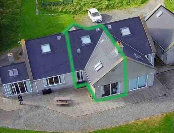 Mullaghmore family holiday home with fab sea views