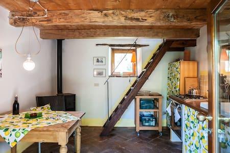 Gesindehaus einer alten Mühle