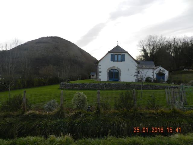 Gîte Herria - Lichans-Sunhar - House