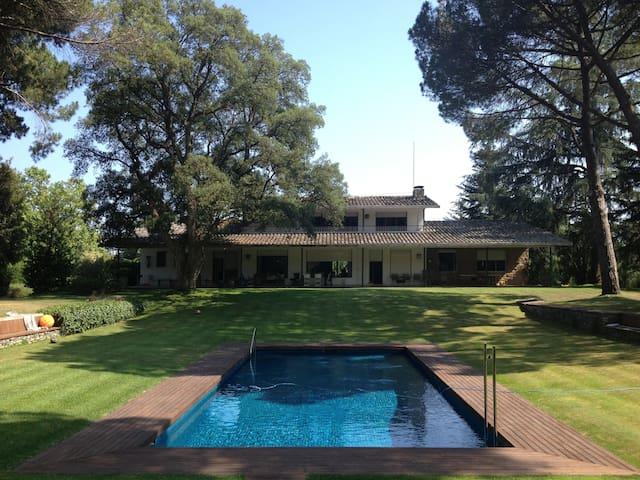 Villa L'Alba a 30 km from Barcelona - Cardedeu - Casa de camp