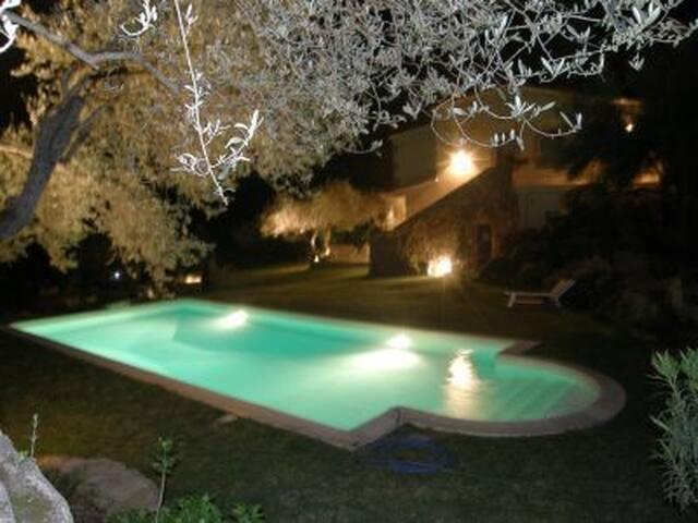 Villa Solivas con Piscina e parco. - Olbia - Villa