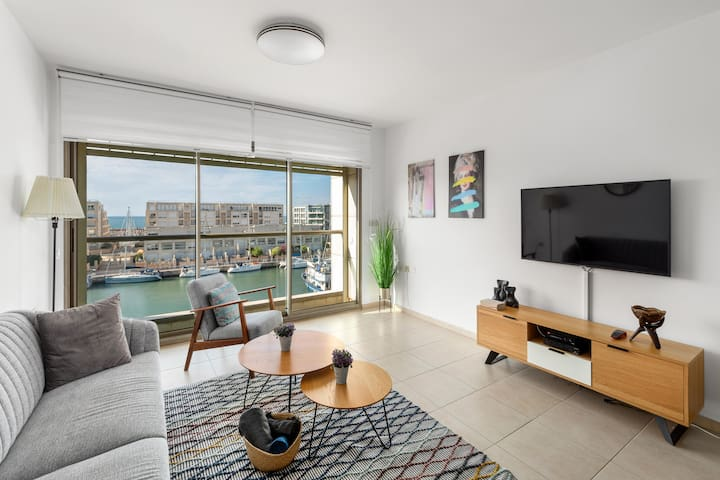 Lagoon Water Front LUX Suite (Gym/Pool/Parking)