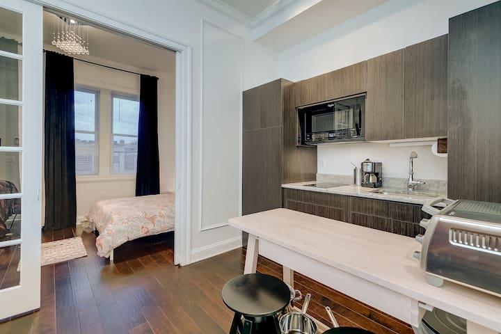 Modern rehabbed Mount Vernon apartment - Baltimore - Wohnung