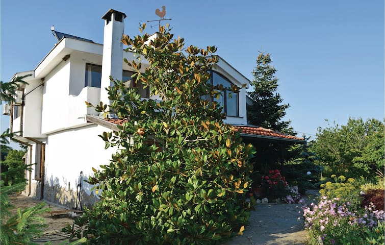 Holiday cottage with 3 bedrooms on 210 m²