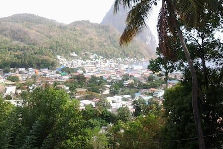 Piton view guest house - Soufrière, LC