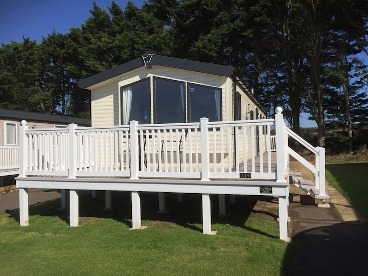 Deluxe Devon Cliffs Exmouth 8 berth static caravan