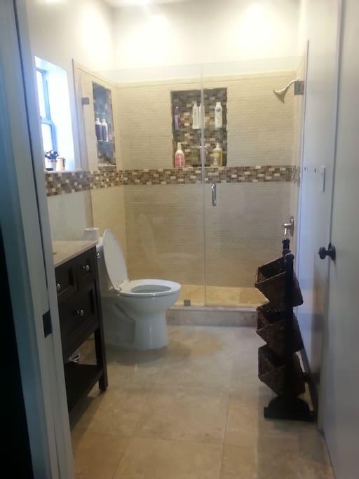 Guest bathroom from pocket door