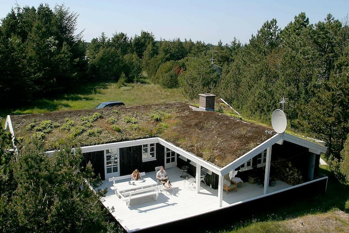 Charming Holiday Home in Ålbæk Near Sea