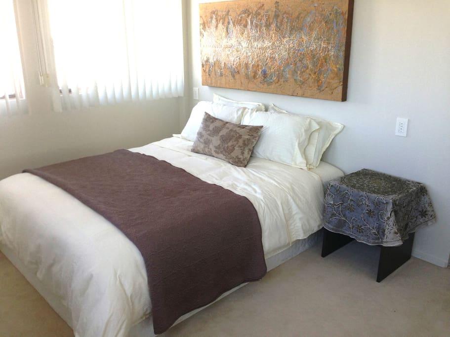 Queen bed and goose down comforter