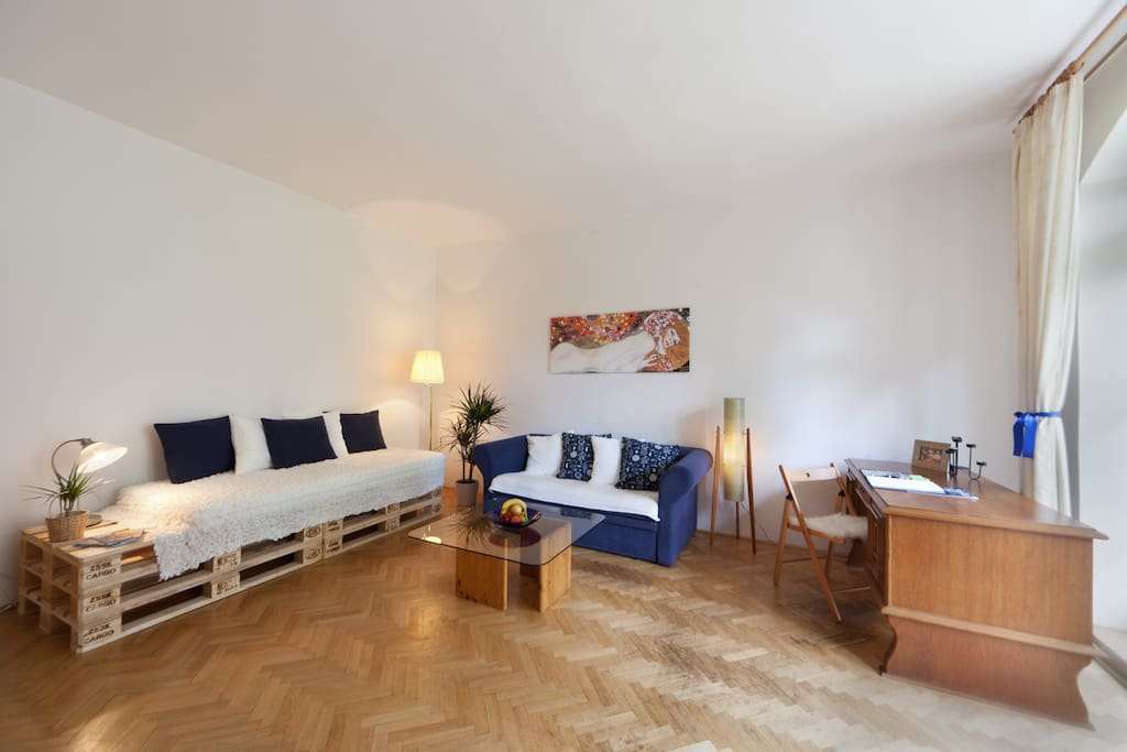 Charles Bridge terrace apartment