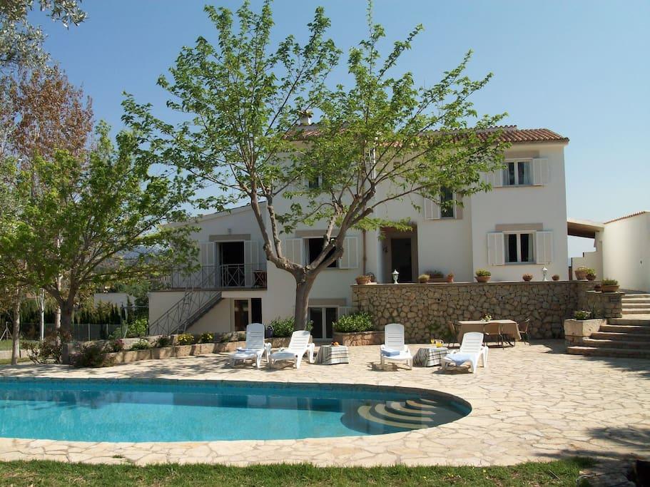 Casa con piscina para 12 casas en alquiler en palma de - Piscinas palma de mallorca ...