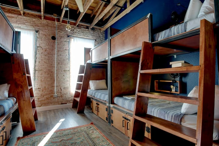 Deep Ellum Hostel, 8-Bed Coed Shared Dorm