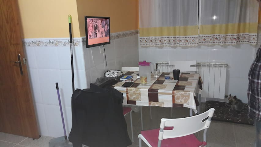 Zona tranquila  y cómoda - Creixell - Casa